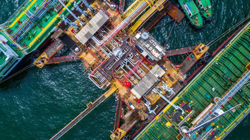 Third Iranian Tanker Docks at Venezuelan Port, Maduro Promises Fuel Supply