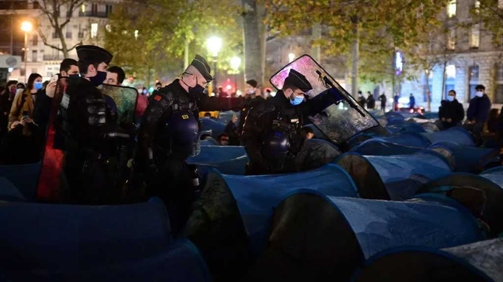 France To Probe Paris Migrant Camp Dismantling After 'Shocking' Scuffle Images
