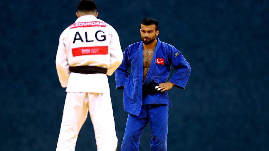 """Algerian Judoka Withdraws from Tokyo Olympics to Avoid Facing """"Israeli"""""""
