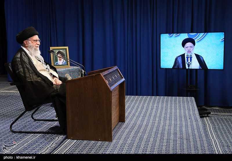 Imam Khamenei: 'Maximum Pressure' Policy Futile, to Hit Enemies Themselves