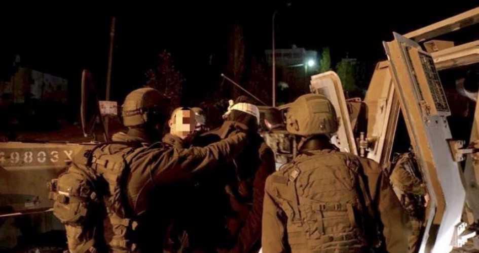 Zionist Occupation Forces Arrest 5 Palestinians in West Bank