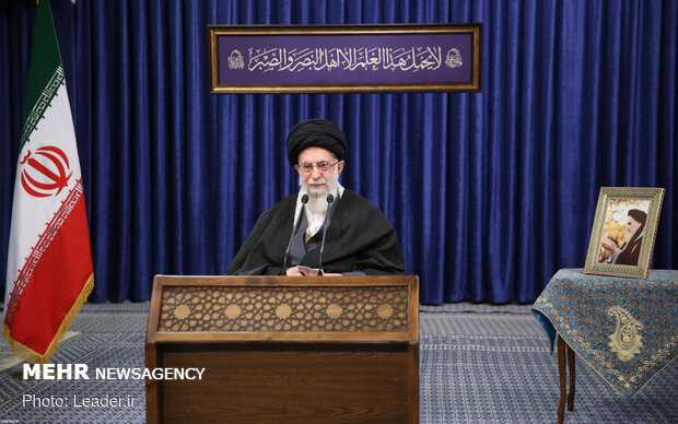 Imam Khamenei: Imports of US, British COVID-19 Vaccines Banned in Iran