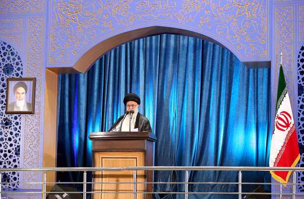 Imam Khamenei: IRGC's Quds Force Knows No Frontiers, Supports Oppressed People
