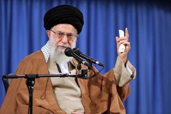 Imam Khamenei Thanks Health Officials, Staffers on Efforts to Contain Coronavirus
