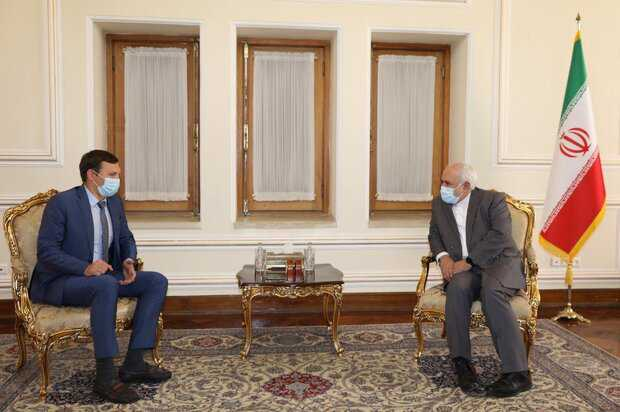 Zarif confers on crashed airliner with Ukrainian officials