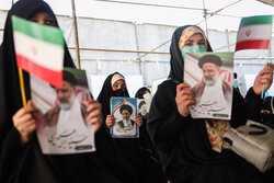 VIDEO: Raeisi attends presidential rally in Tabriz