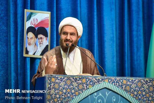 In Tehran Fri. prayers, senior cleric urges for Muslims unity
