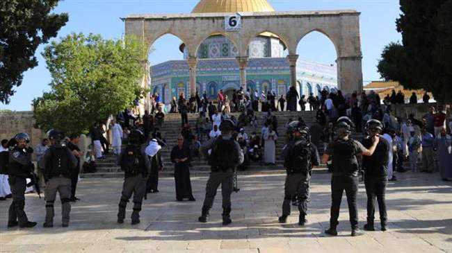 300 Israeli settlers violate Aqsa Mosque