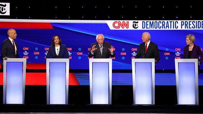 Debating Democrats blast Trump, demand impeachment