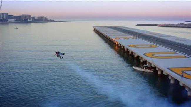Jet man flies high above Dubai