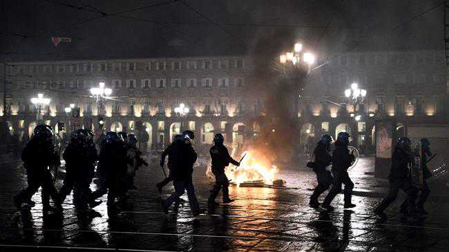Scuffles break out in Turin as protests build up over coronavirus restrictions