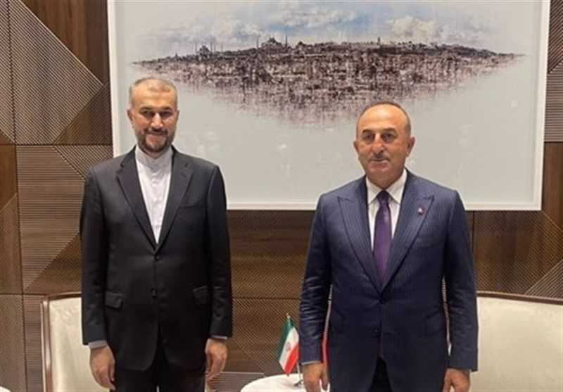 Iranian, Turkish FMs Discuss Situation in Afghanistan